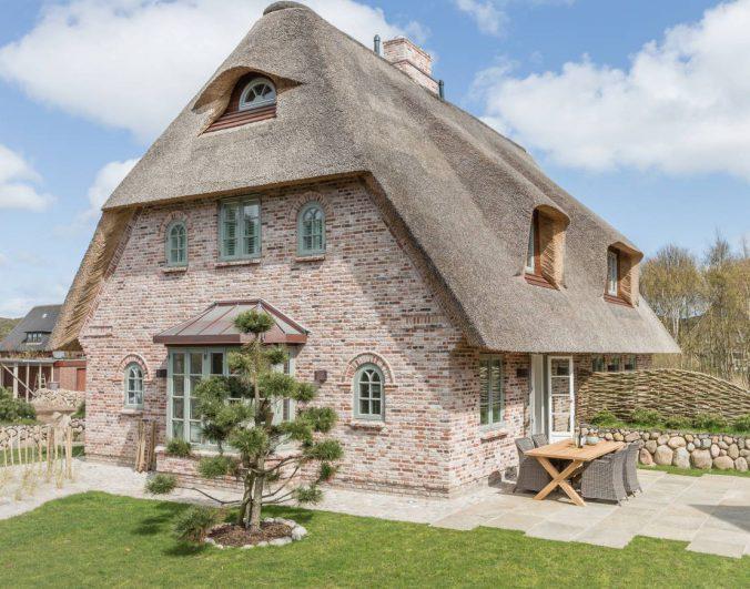 Главное не фасад, а его сочетание с крышей