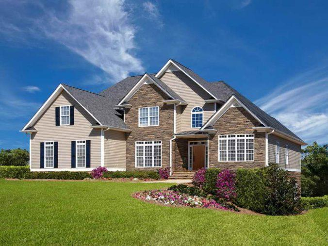 Правильное сочетание материалов для отделки фасадов домов