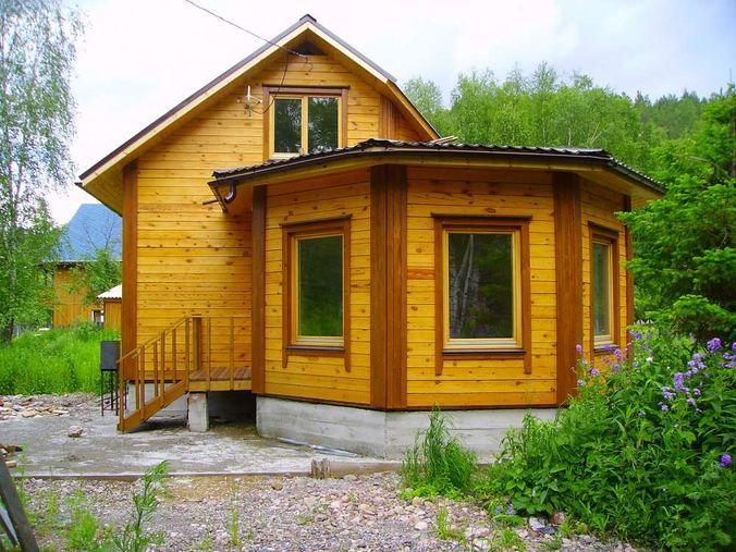 Дачный домик с большой пристройкой