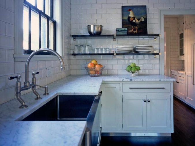 угловая кухня в доме